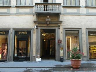 Hotel Scoti entrance